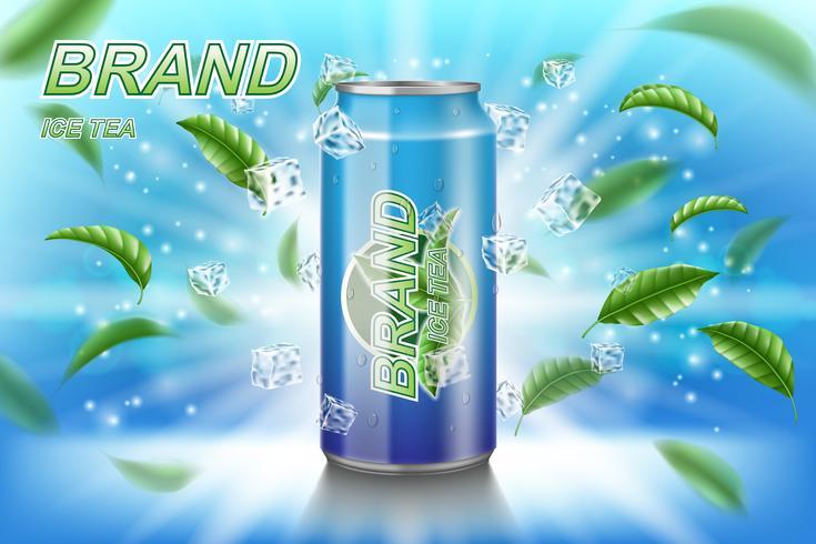 Eisteeaufkleberanzeigen mit Grün verlässt auf blauem Hintergrund. Verpackungsdesign-Teegetränk mit Eiswürfeln für Plakat oder Fahne. Realistisches Aluminium kann verspotten. Abbildung des Vektor 3d