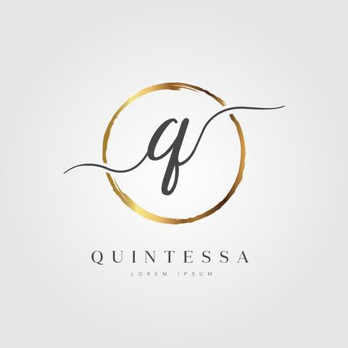 Carta inicial elegante de ouro tipo Q