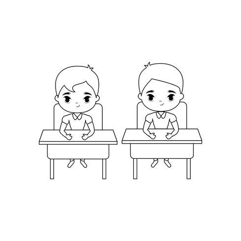 kleine studenten zitten op schoolbanken