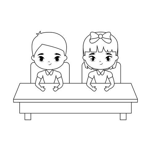 piccoli studenti seduti nel banco di scuola