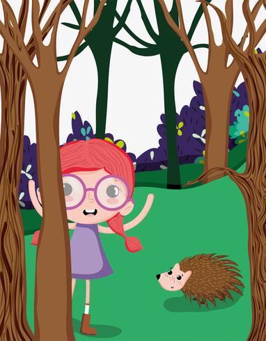 Mooi meisje in het bos