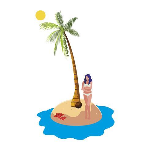 ung kvinna på sommarscenen på stranden