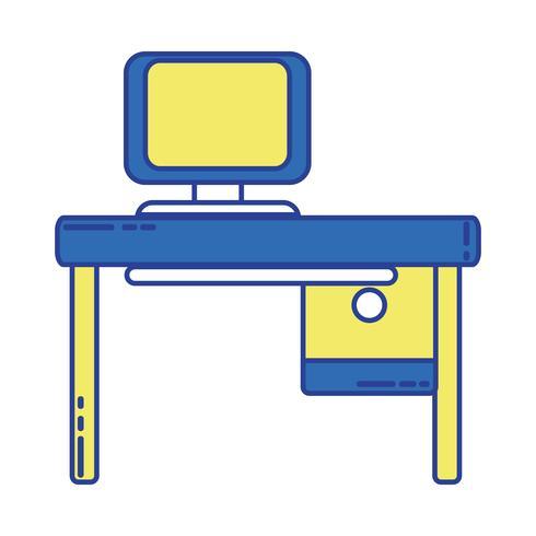 kontor med datorteknik och träskrivbord