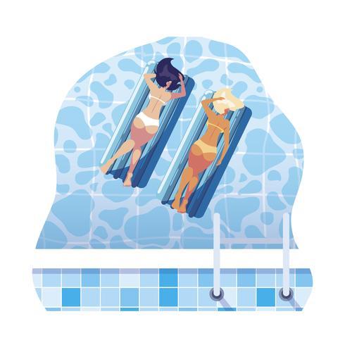 mooie meisjes met zwevende matras drijvend in water