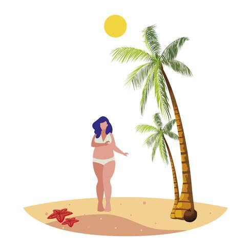 jonge grote vrouw op het strand zomers tafereel