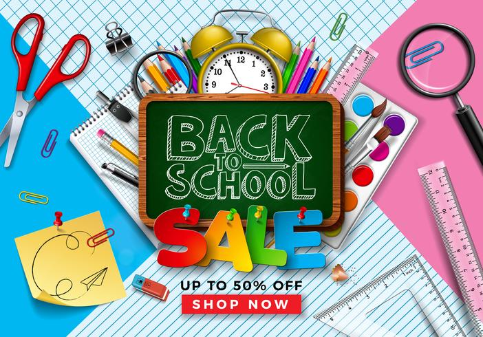 Tillbaka till School Sale Design med färgglad penna, borste och svarta tavlan.
