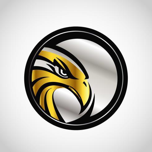 Emblema de oro y plata de halcón vector