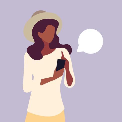 jonge vrouw afro gebruikend smartphoneapparaat