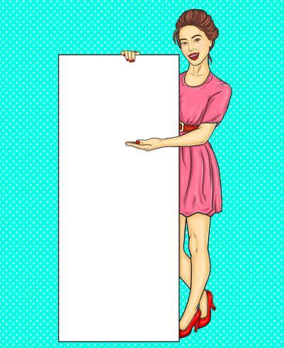 Fille brune pop art montrant une bannière publicitaire verticale