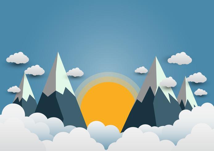 Schöne Sonnen und Berge mit einer Vielzahl von Wolken