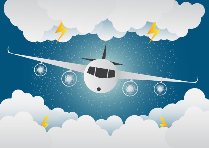 Vliegtuig vliegt door wolken met regen en bliksem