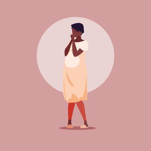 Mujer embarazada en un vestido