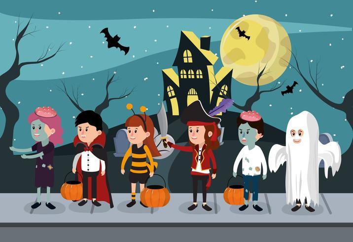 Kinder in Halloween-Kostümen