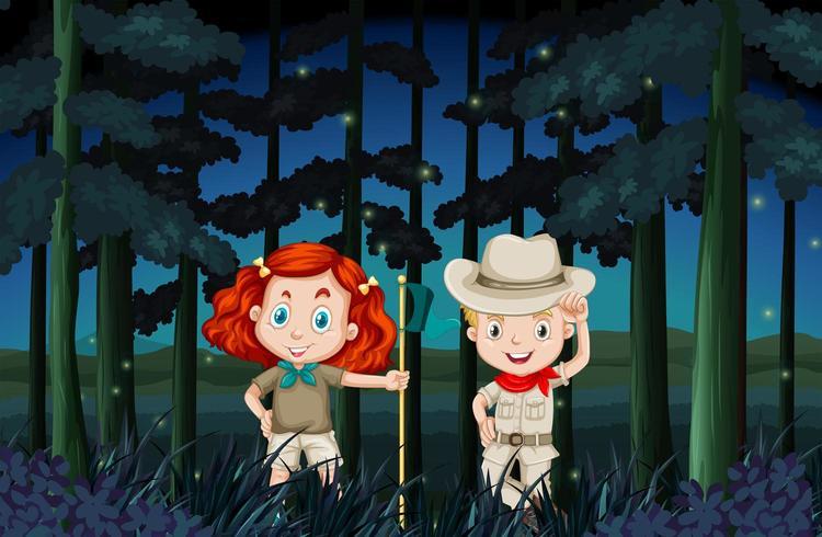 Garçon et fille campant la nuit vecteur