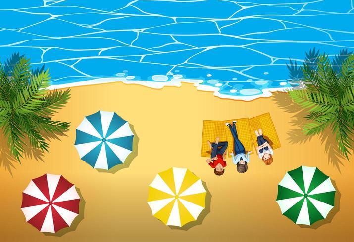 Vista aérea de personas pasando el rato en la playa vector
