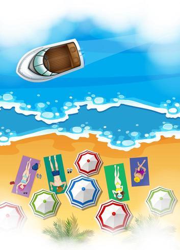 Luftszene mit den Leuten, die auf Strand ein Sonnenbad nehmen