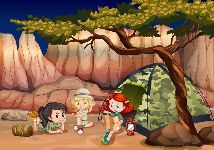 Meisjes kamperen in een kloof