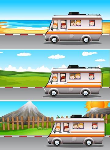 Scene con bambini che guidano in camper