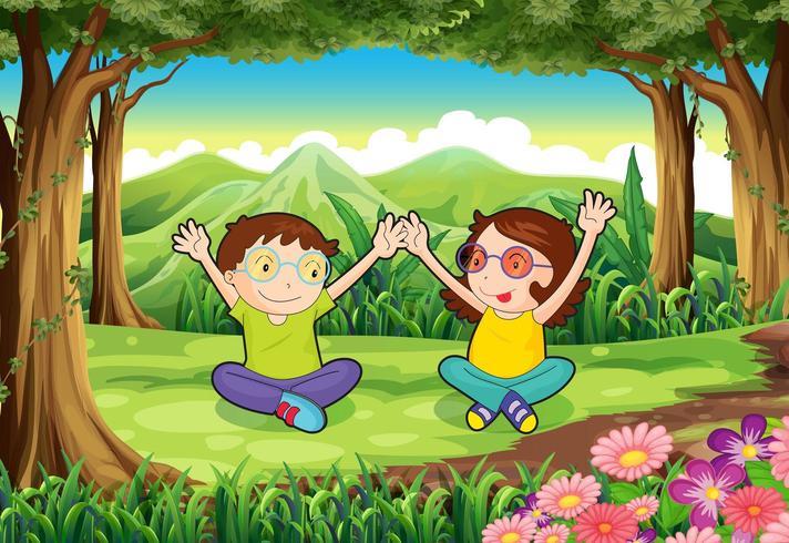 Dos niños juguetones en el bosque vector