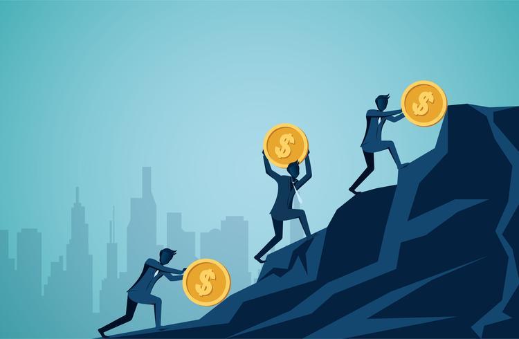 Zakenman die en dollarmuntstukken bergop op de berg rollen duwen