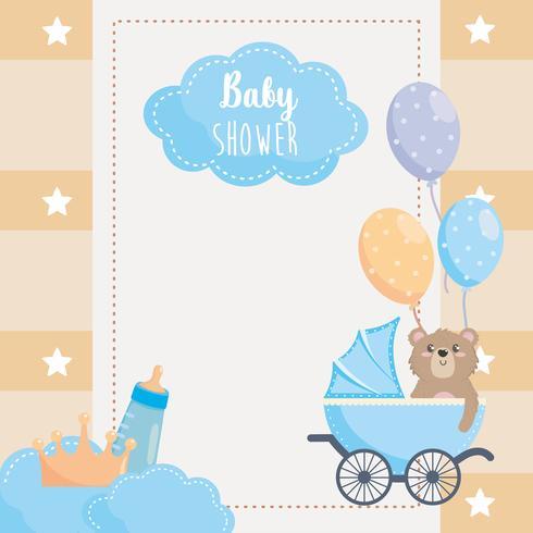 Tarjeta de Baby Shower con osito en carruaje