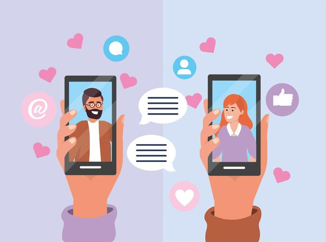 Mensajes de pareja en teléfono inteligente con burbuja de chat y corazones