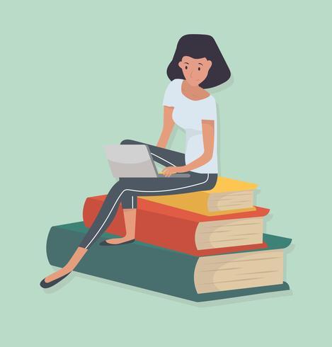 kvinna sitter stack bok