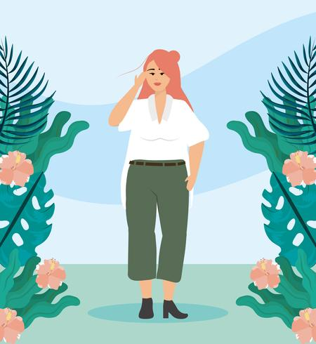 Jonge vrouw met rood haar buiten met planten en bloemen