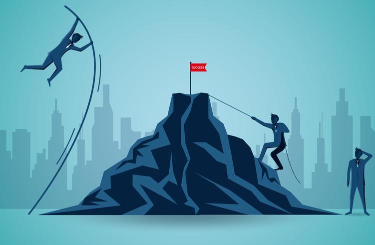Empresarios que compiten para ir al blanco de la bandera roja en la montaña
