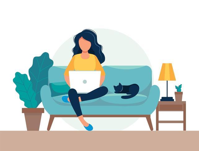 Mulher com laptop sentado no sofá vetor