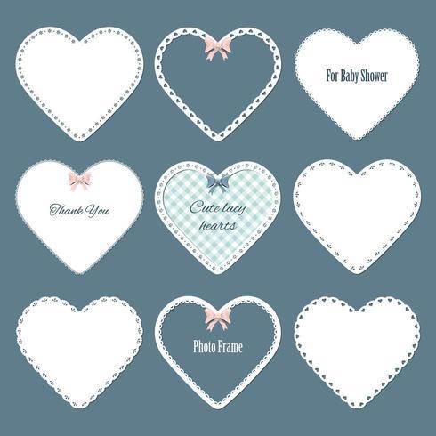 Lindos tapetes de encaje en forma de corazón. vector