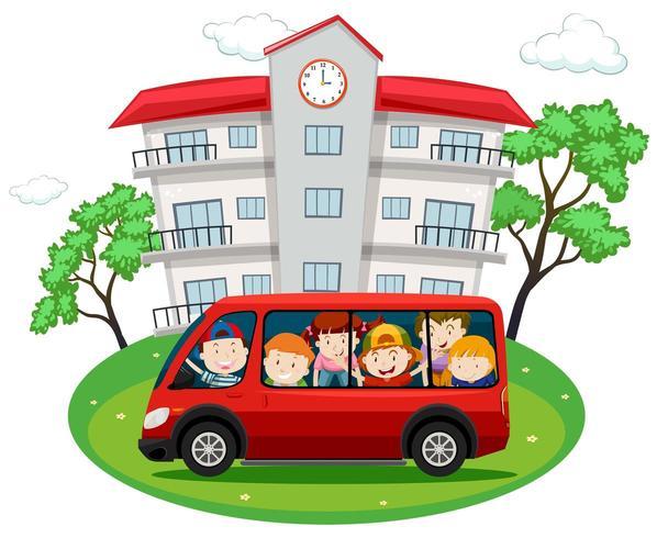 Studenter som åker på röd skåpbil till skolan