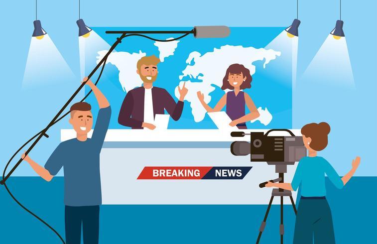 journaliste homme et femme de l'actualité avec caméscope et caméscope vecteur