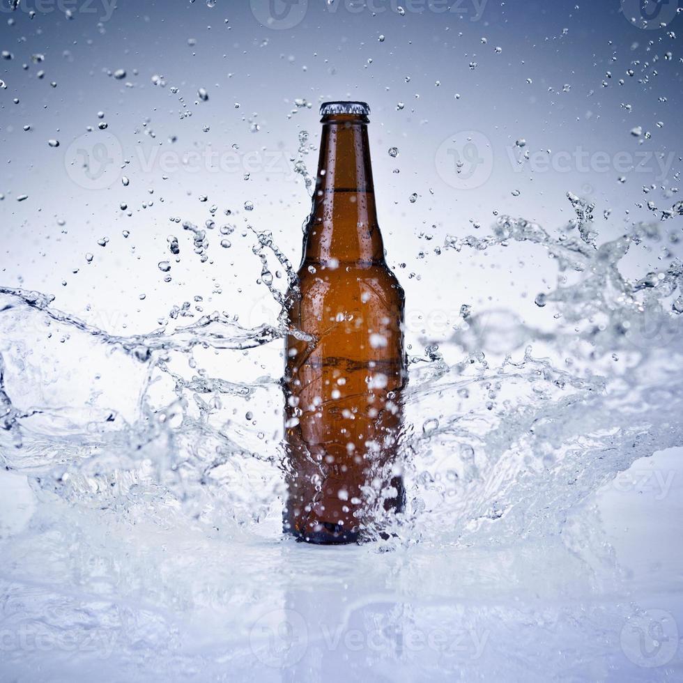 botella de cerveza foto