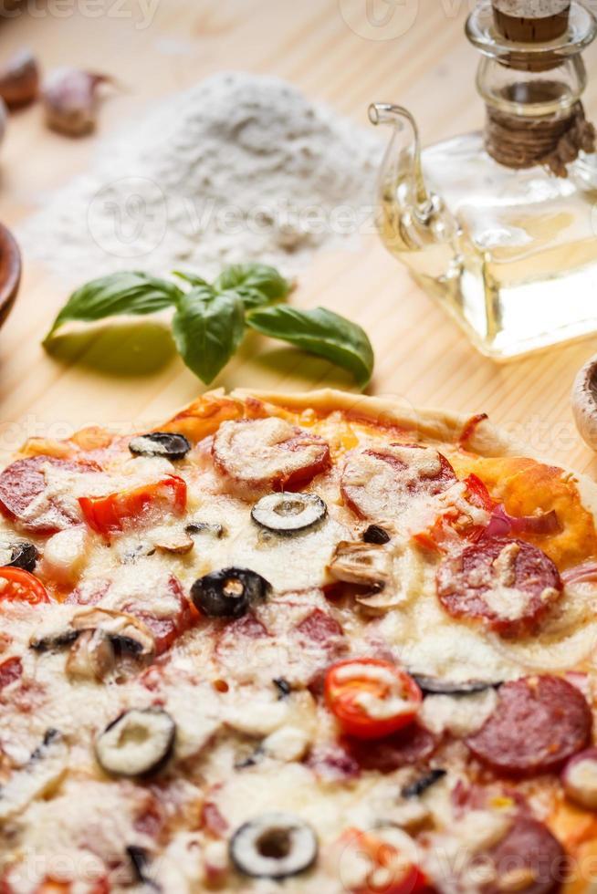pizza de salchicha foto
