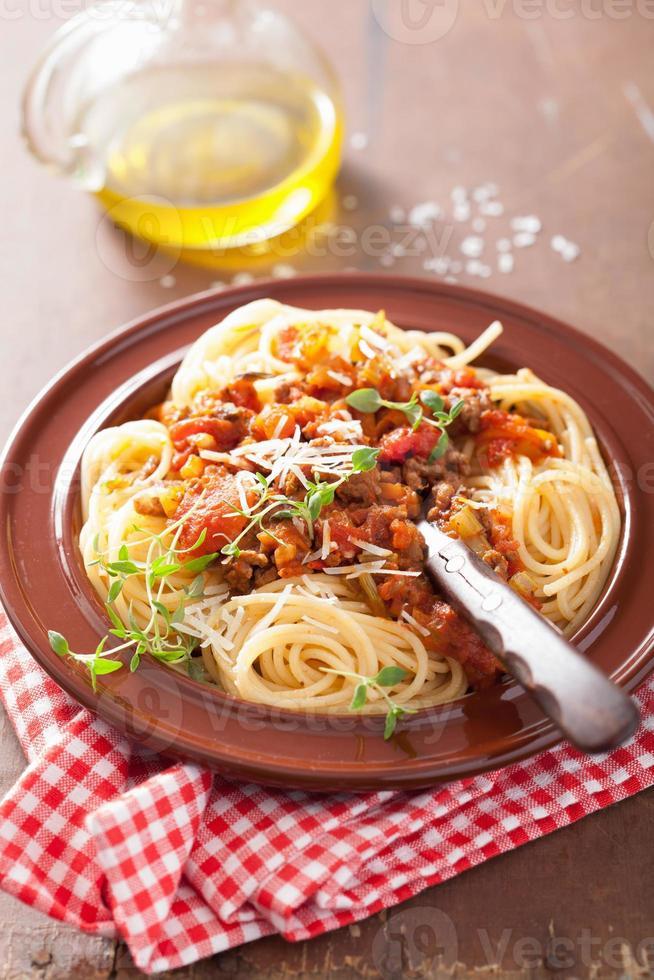 pasta italiana espagueti a la boloñesa foto