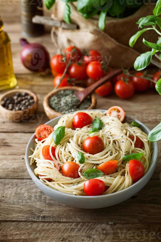 Pasta with olive oil photo