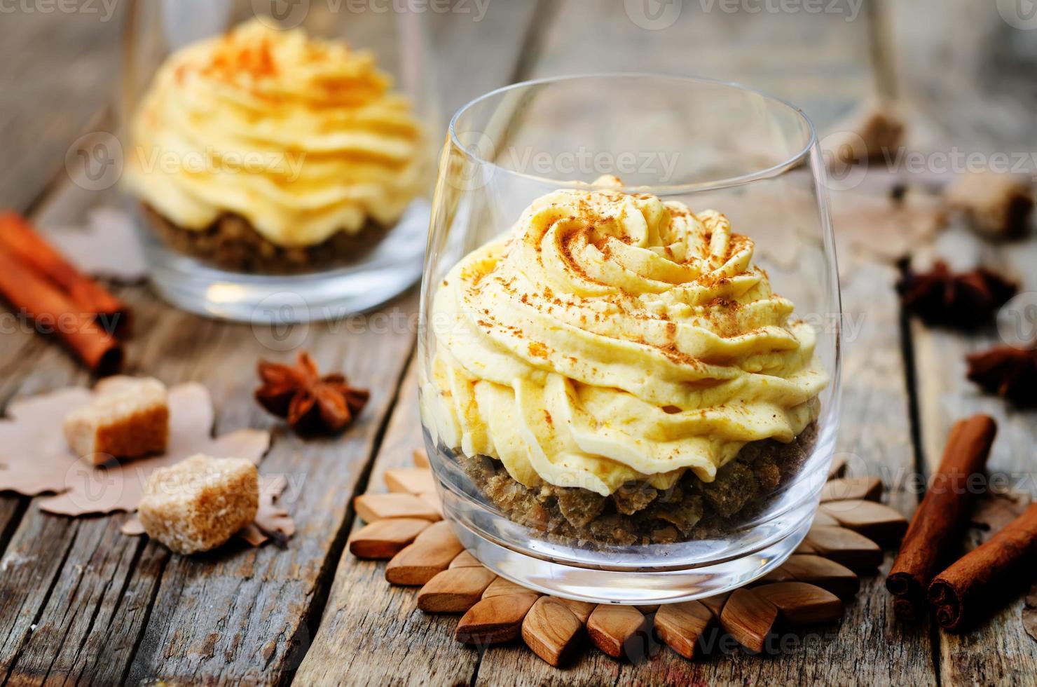 mousse de pastel de queso con especias de calabaza foto