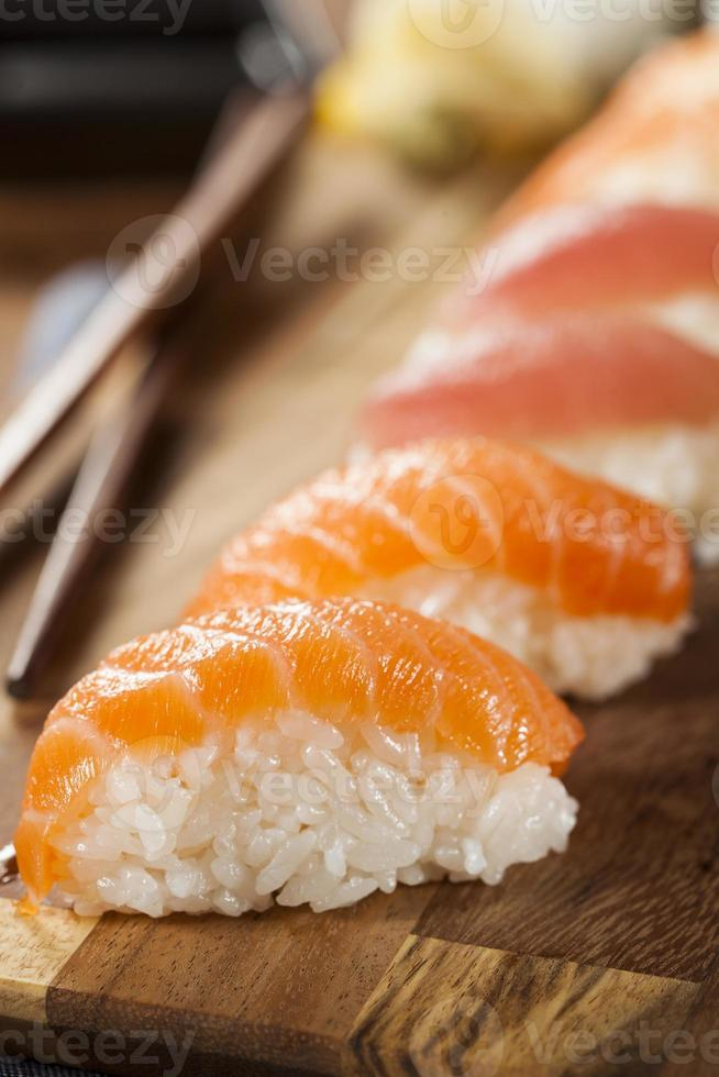 sushi nigiri japonés saludable foto