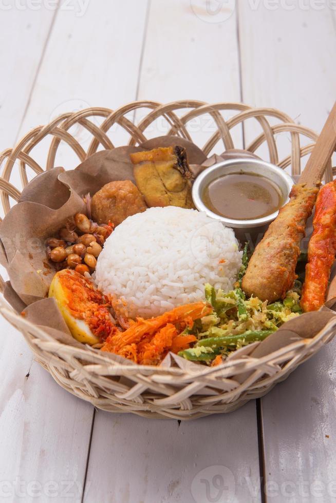 nasi lemak / arroz balinés indonesio foto
