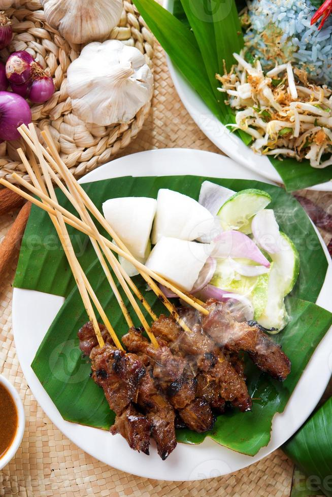 plato malayo satay foto