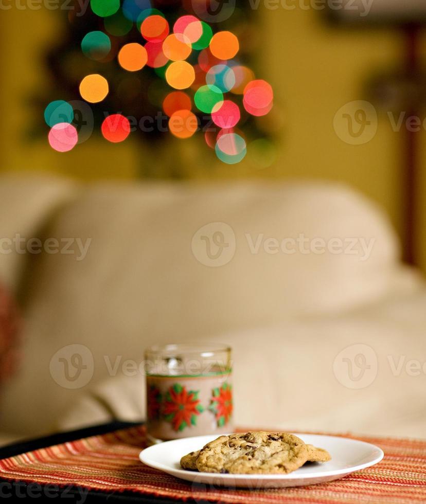leche y galletas foto