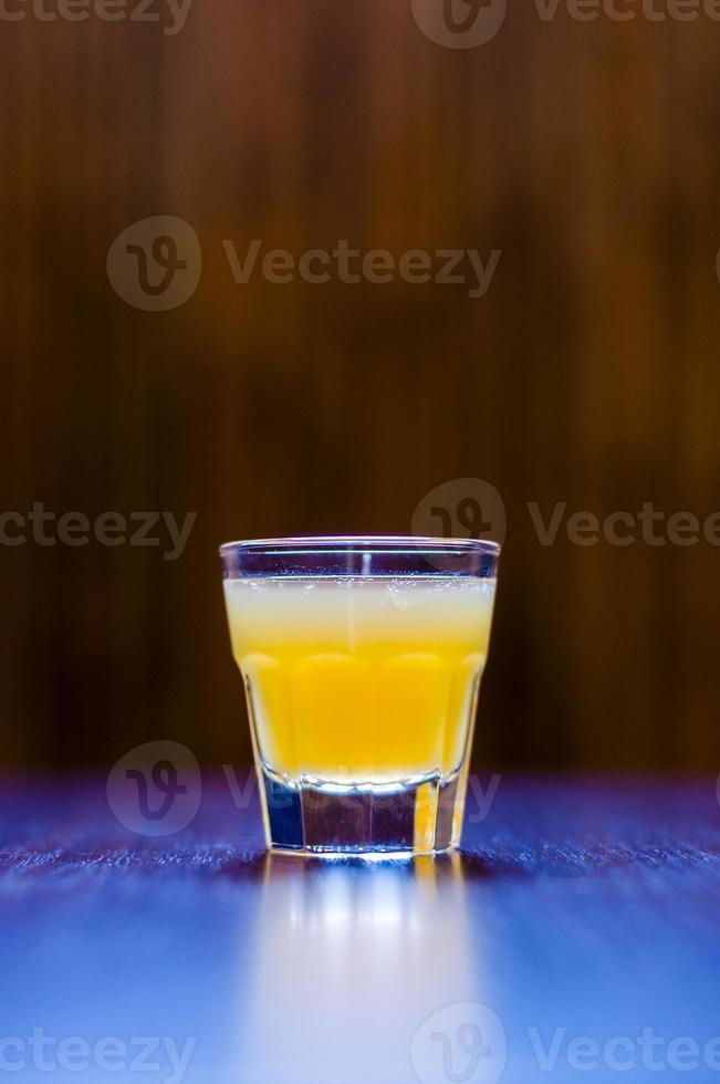 cóctel shot tequila ceizer naranja foto