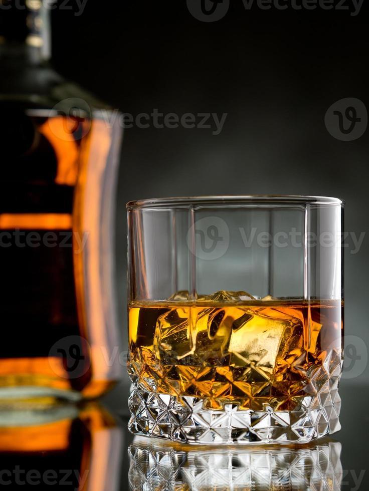 whisky en las rocas foto
