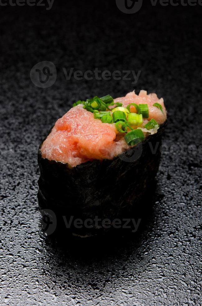 Norimaki de atún chamuscado foto
