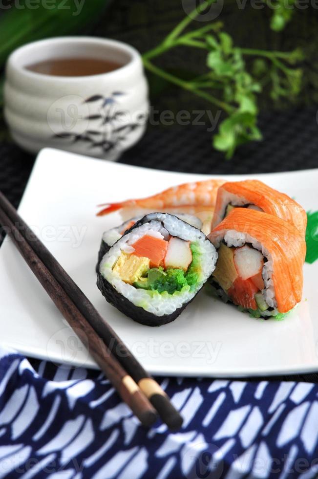 sushi set comida japonesa foto