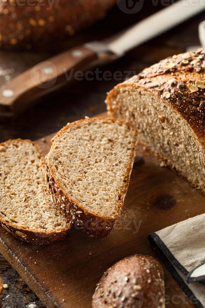 pan de trigo integral casero ecológico foto