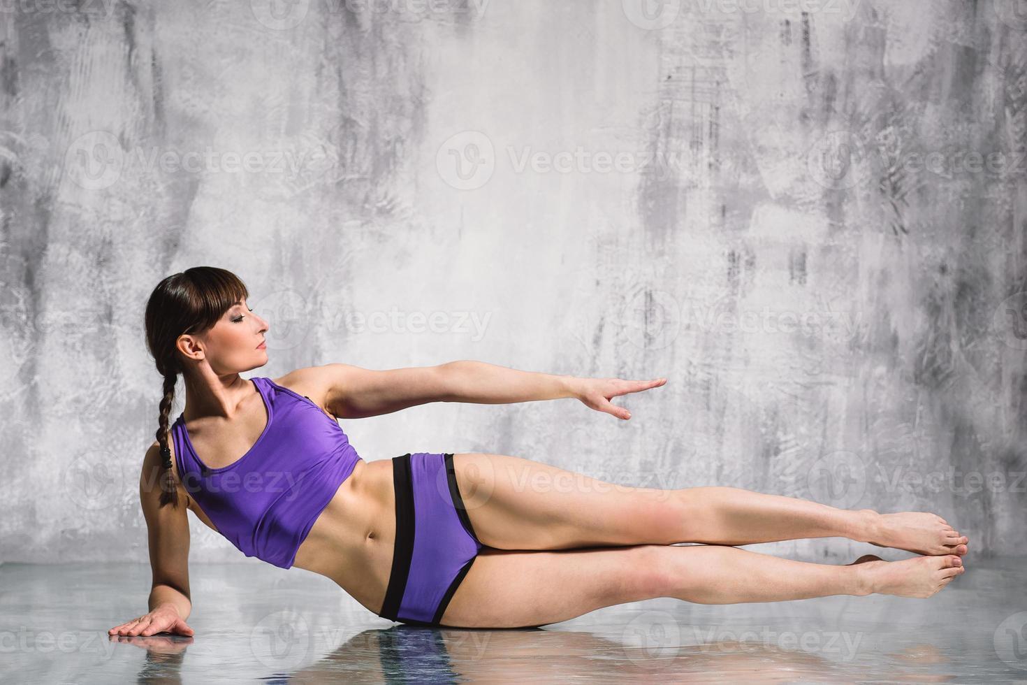 mujer de yoga foto