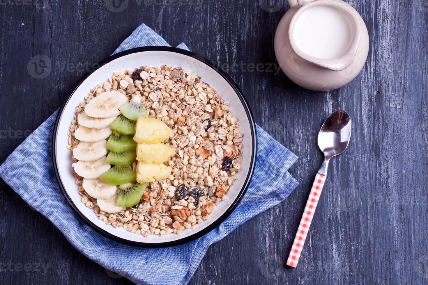 muesli with fruits photo