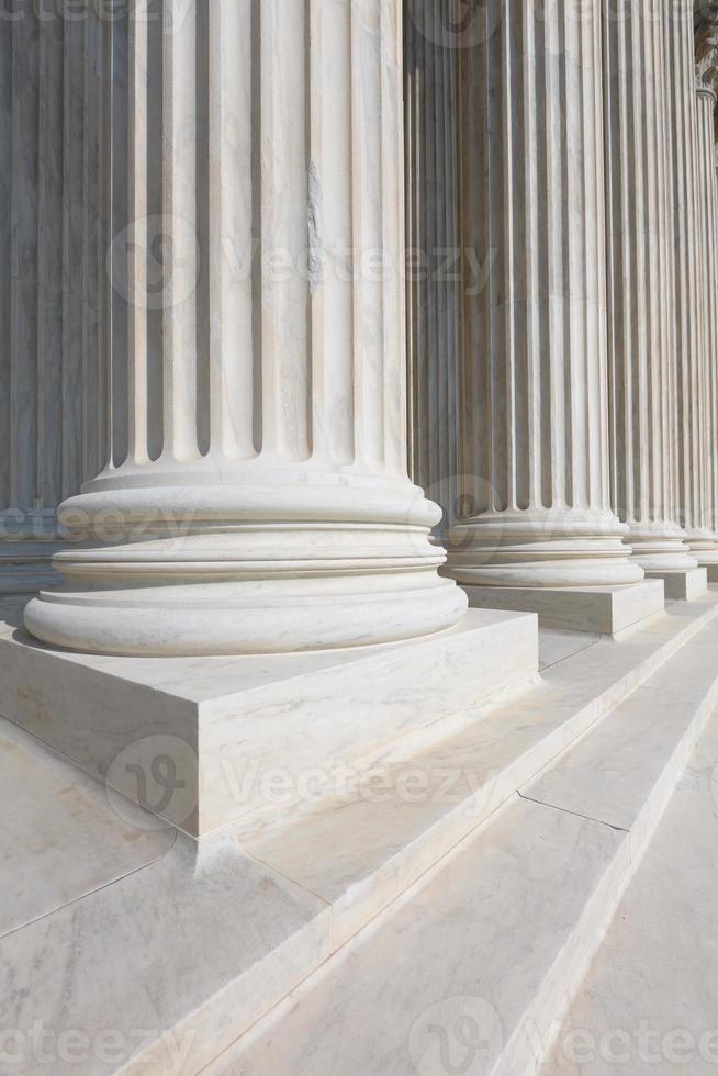 fila de columnas de la corte suprema de estados unidos foto